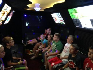 kids_in_limo_bus